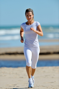Woman-running-in-summer-in-white